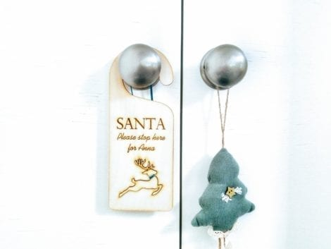 "Christmas Door Hanger ""Santa Stop Here"""