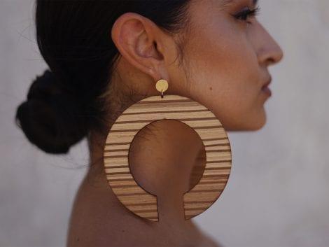 Open circle earrings 02